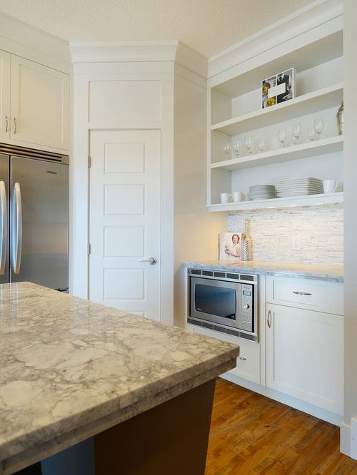 Corner Walk-In Pantry Home Design Ideas, Pictures, Remodel and Decor