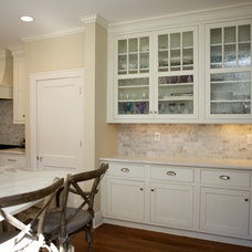 Traditional Kitchen by Counter Dimensions