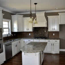 Contemporary Kitchen by Robinson Construction Group (Mt. Juliet, TN)