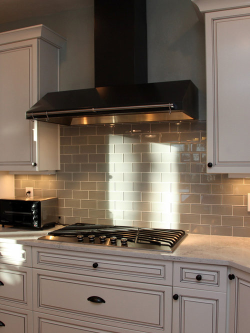 Grey glass tile backsplash houzz for Kitchen backsplash images on houzz