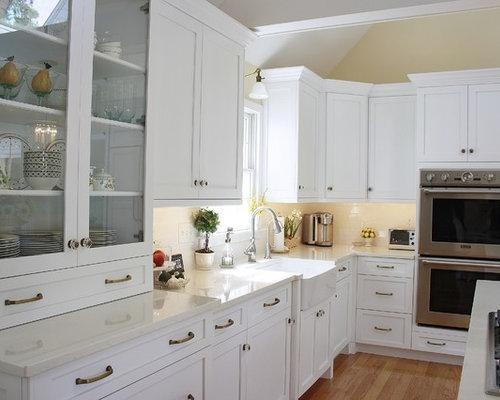 Revit Kitchen with Quartz Countertops Design Ideas & Remodel Pictures | Houzz