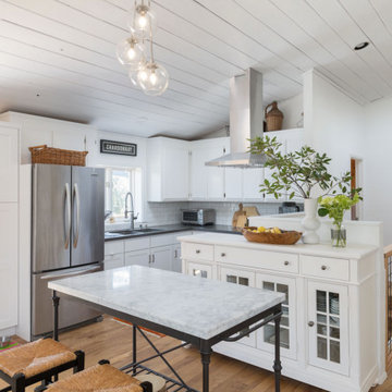 White Cottage in the Wine Country