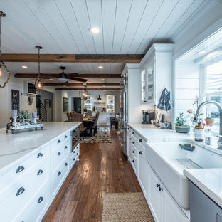 75 Beautiful Farmhouse Eat In Kitchen Pictures Ideas April 2021 Houzz