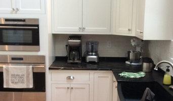 White Farmhouse kitchen with gourmet appeal
