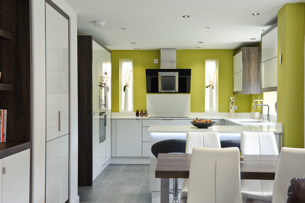 Contemporary Kitchen by Ream Kitchens