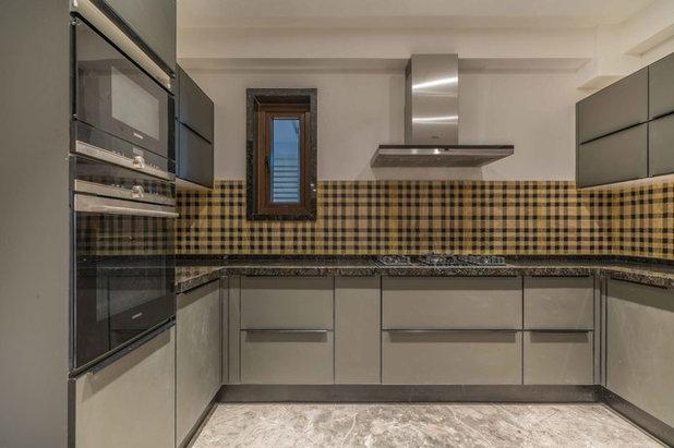 Contemporary Kitchen by Ricken Desai Photography