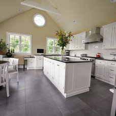 Kitchen by Universal Cabinetry Design Center