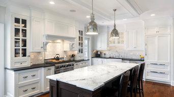 White Kitchen / Black Island
