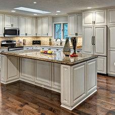 Craftsman Kitchen by Brekke Construction Inc.