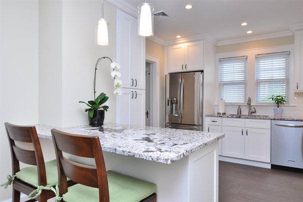 Contemporary Kitchen by Kitchen Cabinet Kings