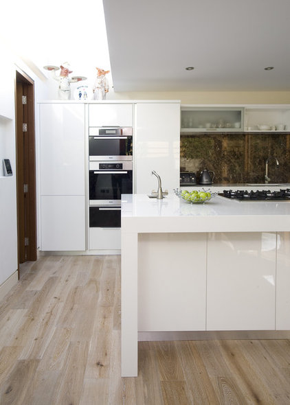 Contemporary Kitchen by Glenvale Kitchens