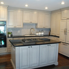 Traditional Kitchen by Peppertree Kitchen & Bath
