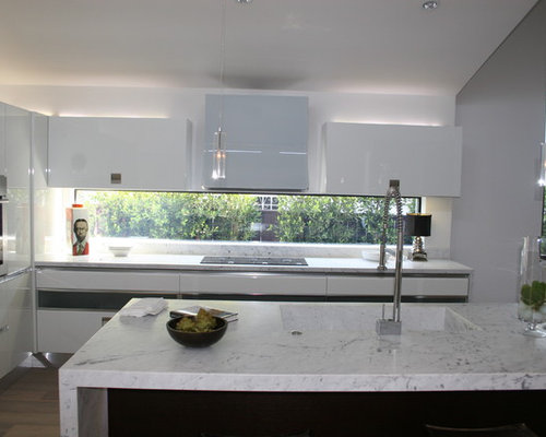 for a modern kitchen remodel in Los Angeles with marble countertops ...