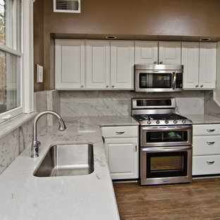 Traditional kitchen photos - Example of a classic kitchen design in DC Metro