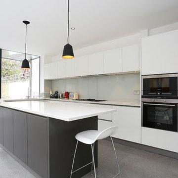 White matt kitchen with island