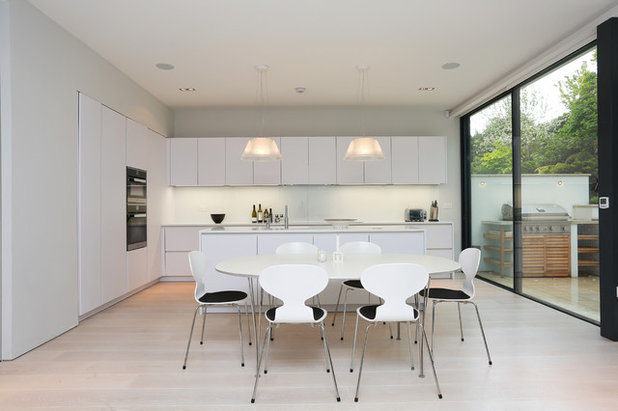 Contemporary Kitchen by LWK Kitchens London & Are Those Sleek Handleless Kitchen Cabinets for You?