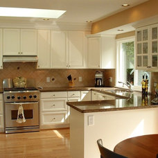 Traditional Kitchen by Shelley Scales Design Associates