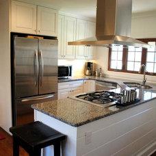 Traditional Kitchen by Hatchett Design/Remodel