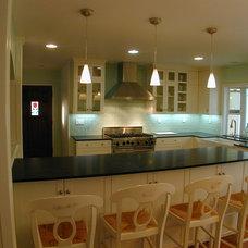 Modern Kitchen by Mission Millworks