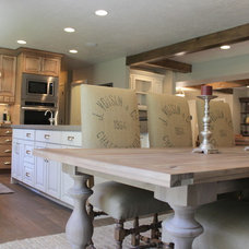Rustic Kitchen by Ironwood Custom Builders, Inc