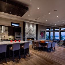Contemporary Kitchen by tdSwansburg design studio