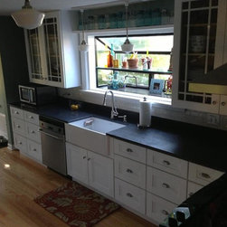 White Shaker Kitchen Cabinets - 10 Foot Run Shaker White Kitchen Cabinets: kitchen and bathroom cabinets. Browse styles and material types for 10 Foot Run Shaker White Kitchen Cabinets. Find stock or custom kitchen cabinets, drawers and organizers for 10 Foot Run Shaker White Kitchen Cabinets