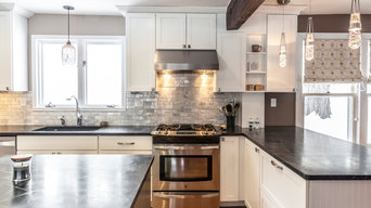 White Shaker Kitchen with soapstone countertops