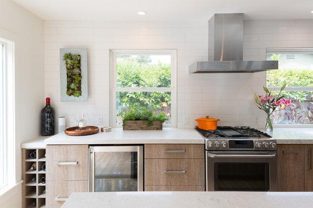Contemporary Kitchen by Santa Cruz Design + Build