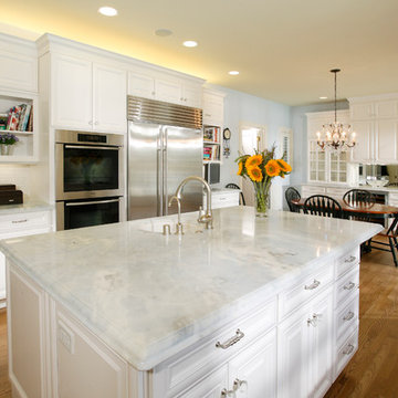 White Traditional Large & Open Kitchen