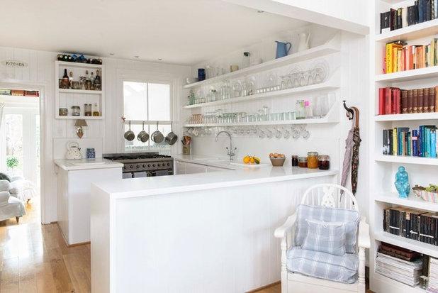 ビーチスタイル キッチン by Whitstable Island Interiors