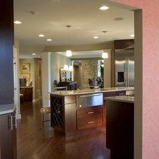 Modern Kitchen by RTA Studio