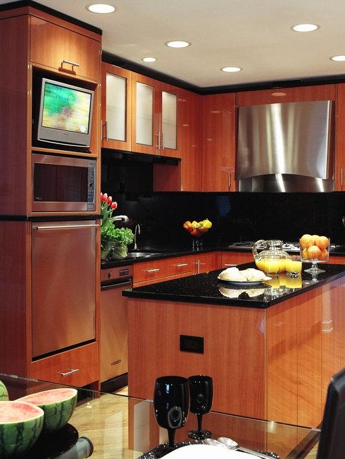 Tv in kitchen houzz for Television in kitchen ideas