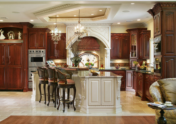 Traditional Kitchen by Creative Design Construction, Inc.
