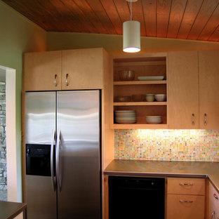 Ejemplo de cocina vintage con salpicadero con mosaicos de azulejos, encimera de acero inoxidable, armarios abiertos, puertas de armario de madera oscura, salpicadero multicolor y electrodomésticos de acero inoxidable