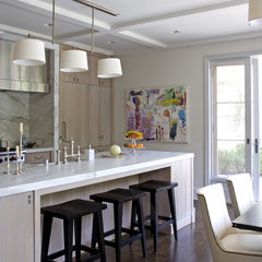 traditional kitchen by Studio William Hefner