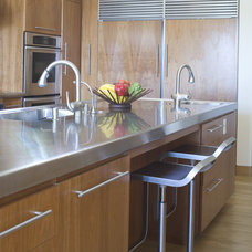 contemporary kitchen by Studio William Hefner