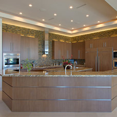 Contemporary Kitchen by Pinnacle Architectural Studio