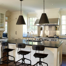 Traditional Kitchen by 3north