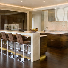 Modern Kitchen by Charles Cunniffe Architects Aspen