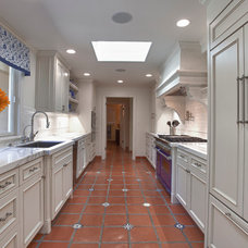Traditional Kitchen by Bridgford Construction Inc.