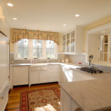 Traditional Kitchen by Wills Company