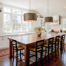 Traditional Kitchen by Lindsay Construction, Inc.