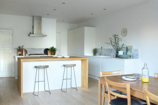 Kitchen by EB Interiors