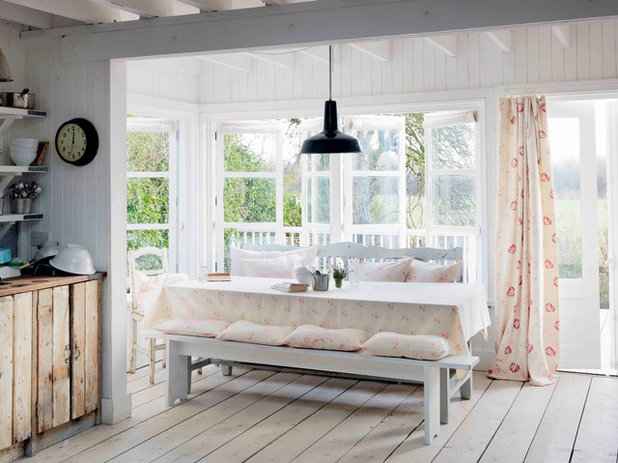 Shabby-chic Style Kitchen by Cabbages & Roses Ltd