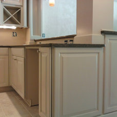 Traditional Kitchen by David L. Scott / Lowe's Design Center