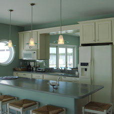 Modern Kitchen by Donna F. Boxx, Architect, P.C.