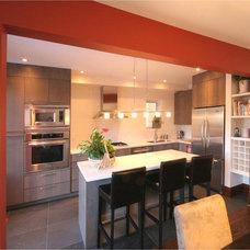 Modern Kitchen by Hot Interior Designs Ltd