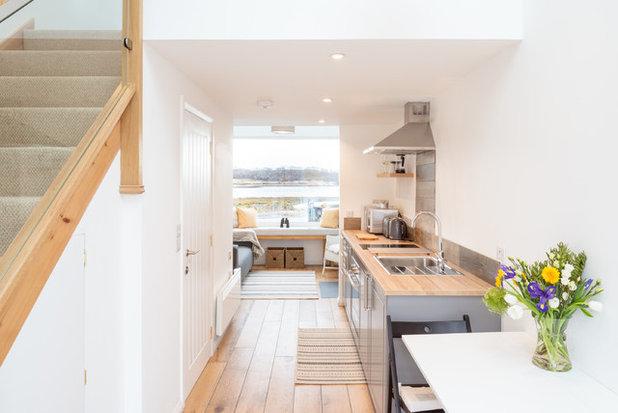Coastal Kitchen by Thorne Wyness Architects