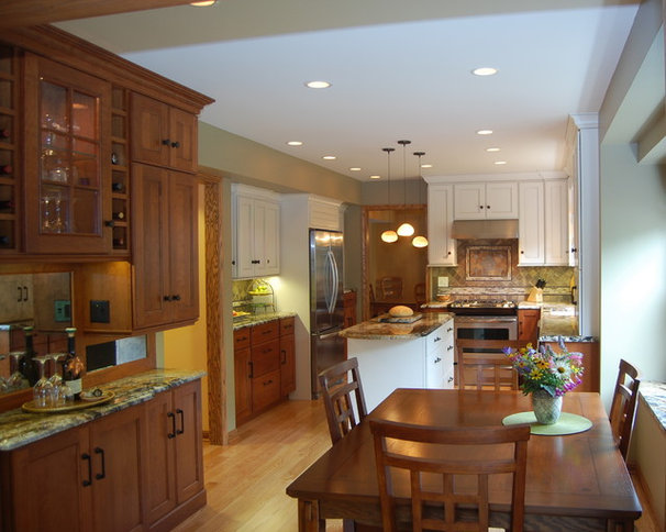 Traditional Kitchen by Laura Vlaming | Arkiteriors
