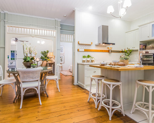 Design Ideas For A Country L Shaped Eat In Kitchen In Brisbane With Shaker